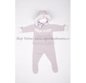 Conjunto de polaina bebé de Carmen Taberner puntilla