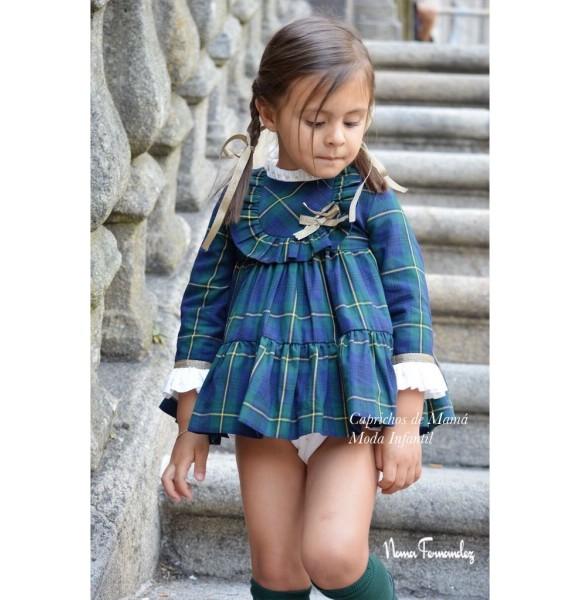 Jesusito niña Orión de Noma Fernández cuadro escocés