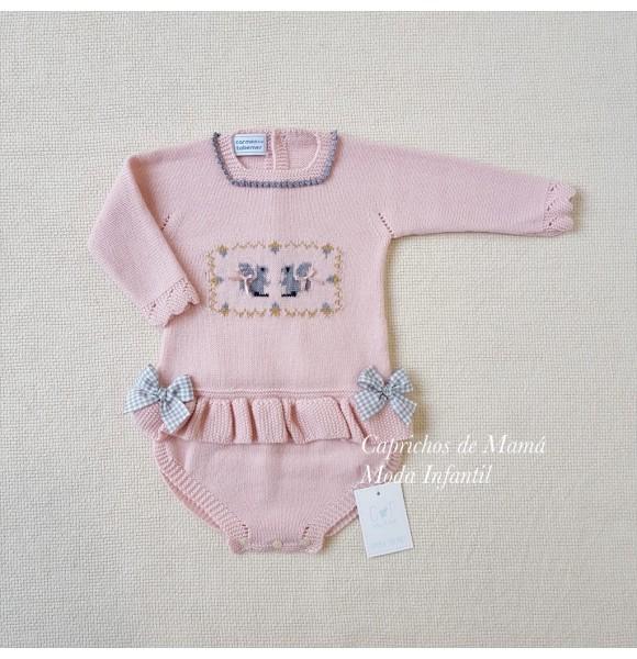 Pelele bebé niña de Carmen Taberner rosa ardillas