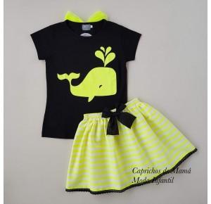 Conjunto camiseta ballena y falda rayas de Mon Petit