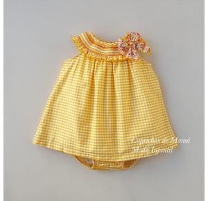Jesusito niña Filippa de Eva Castro vichy amarillo